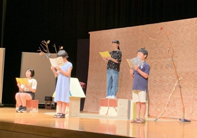 4名の会員さんによる「地べたっこさま」の朗読。事前に劇団むうさんの指導によるリハーサルあり。素晴らしい朗読が会場に響きました。参加ありがとう!